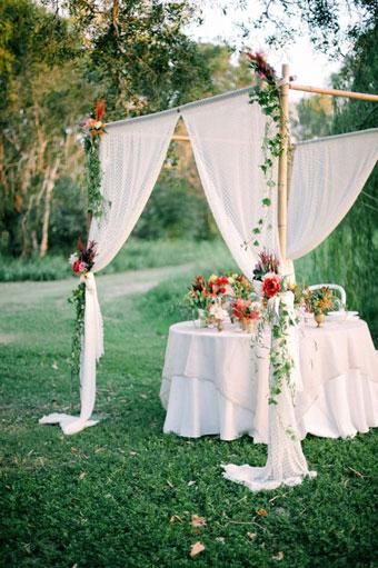 gazebo matrimonio boho tavolo sposi chuppah
