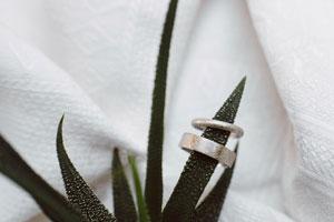 Fedi-nuziali-artigianali-oro-bianco_matrimoni-con-laccento_Roberta-Patane