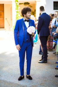 Abito-da-sposo-blu-millennials_Roberta-Patane_Matrimoni-con-laccento