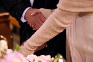 Accessori-sposa-coprispalle-cashmere_Roberta-Patane_Matrimoni-con-laccento