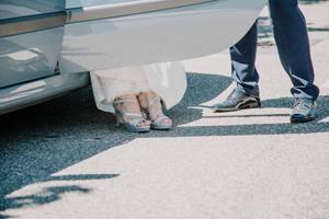 portamento-sposa-auto_Roberta-Patane_Matrimoni-con-laccento