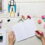 Sposa che disegna la moodboard di nozze - Roberta Patanè Wedding Planner