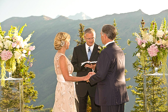 Cerimonia di seconde nozze all'aperto