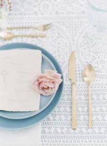 Piatti e posate per matrimonio