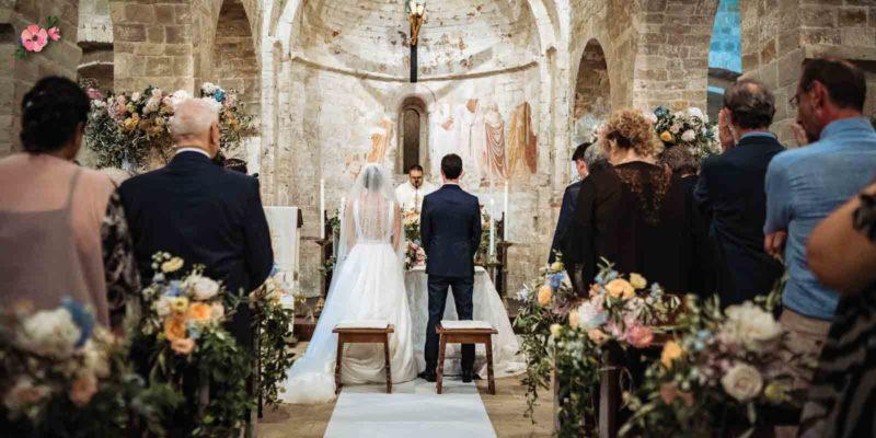 Cerimonia di matrimonio in una Pieve marchigiana