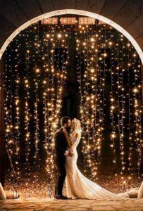 Allestimento di luci perfetto per matrimonio a tema Disney