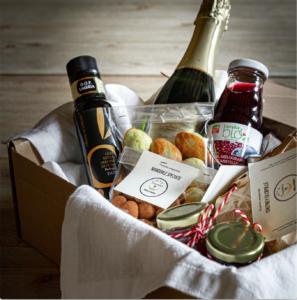 Un'idea di Welcome Box aperitivo per sostituire ilbuffet