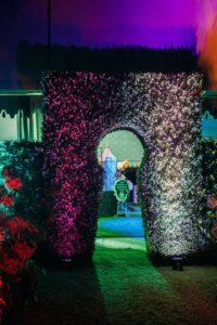 Accesso a forma di buco della serratura per matrimonio a tema Alice in Wonderland