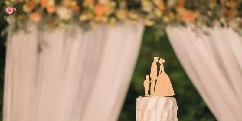 cake topper con sposi e bimbo